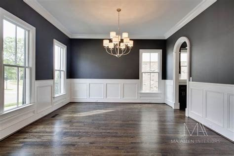 Gray Dining Room With Chair Rail Wainscoting Dining Rooms And Colors On