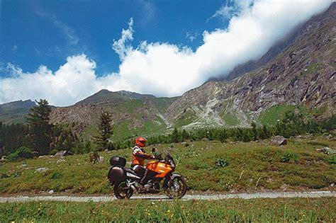 Motorradtouren Wallis by Motorradurlaub Wallis Nufenenpass Kurvenk 246 Nig