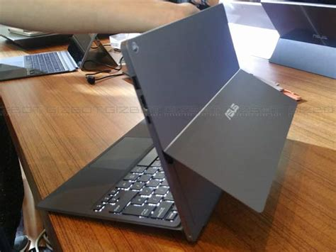 Asus Laptop Vs Surface Pro 3 5 cool features of asus transformer pro 3 that can beat surface pro 4 gizbot news