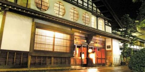 Gamis Nony Qdj 01 hotel tertua sejagat berusia 1296 tahun gilang cahya