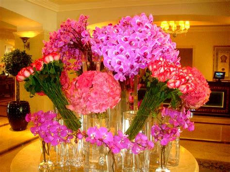 the amazing flower arrangements were created by florist in the amazing flower arrangement pretty things pinterest