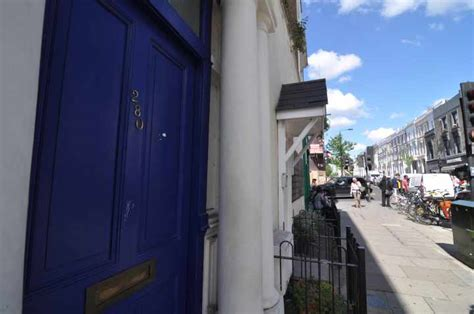 panchina di notting hill a londra nei luoghi notting hill con hugh grant