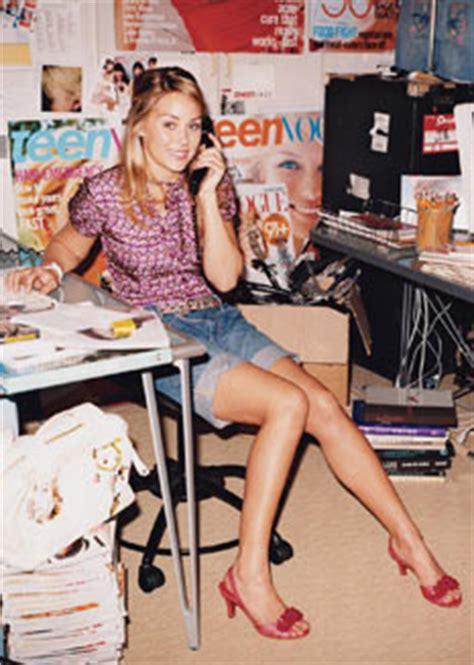how to become a fashion journalist fashion