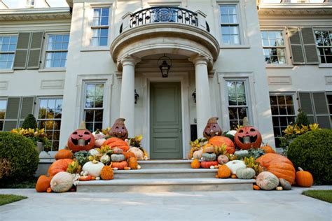 Rachel Parcell 125 Cool Outdoor Halloween Decorating Ideas Digsdigs