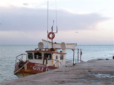 old boat description file old fishing boat jpg wikimedia commons