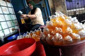 Minyak Goreng Jember larangan migor curah rugikan warga jatim harian bhirawa