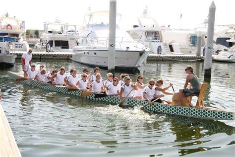 dragon boat racing dubai dragon boat racing at dubai s festival marina yacht