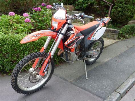 Neues Beta Motorrad by Beta 352rr Motorr 228 Der Yamaha Srx600 Tt600 Enduro