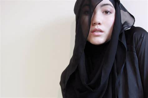 tutorial jilbab hana tajima simpson bonita putri utami hijab fashion with hana tajima simpson