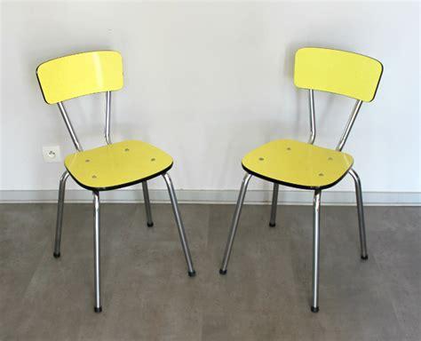 Bien Table De Cuisine Formica #7: Le-meuble-vintage-le-vintage-dans-la-peau-chaise-formica-vintage-seventies-jaune-chaises-annees-70-1.jpg