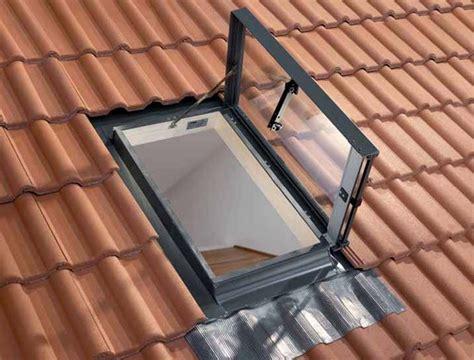 tende per lucernari fai da te lucernario una finestra sui tetti finestre