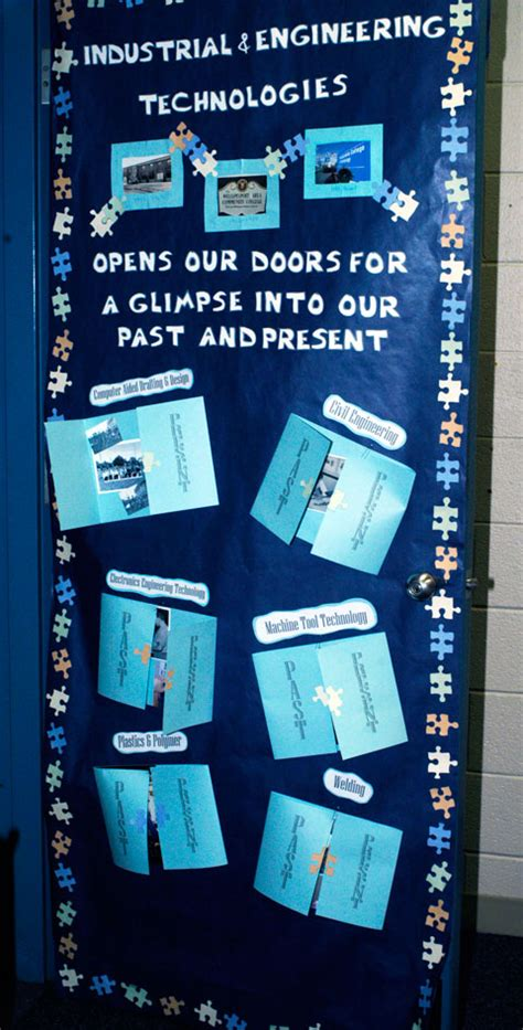 contest themes winners announced in homecoming door decorating contest