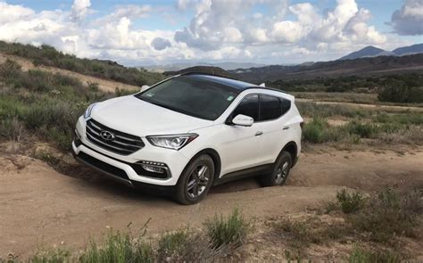 hyundai jeep comparison hyundai santa fe limited ultimate 2017 vs