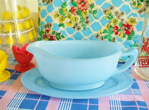 gravy boat little why you saucy little gravy boat vintage pyrex gravy
