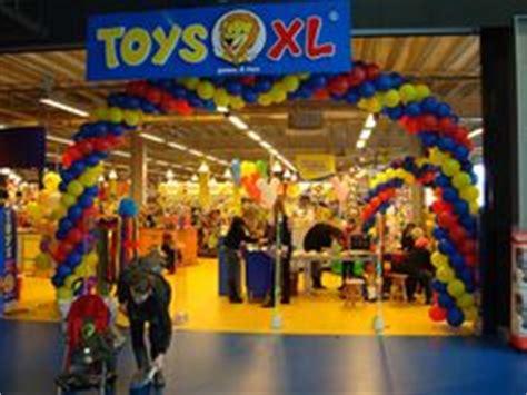 speelgoed xl muiden de allergrootste lego collectie met grote showcases in