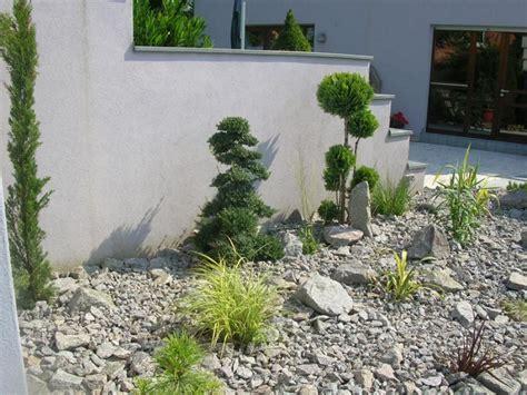 Massif Decoratif Jardin by Massif Decoratif Jardin Pelouse Jardin Deco Ardoise