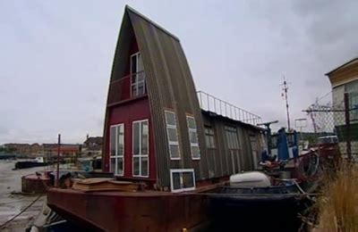 grand designs house boat grand designs uk 7x03 eco barge medway sharetv