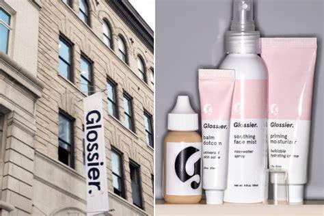 gloss makeup  glossier opens soho pop