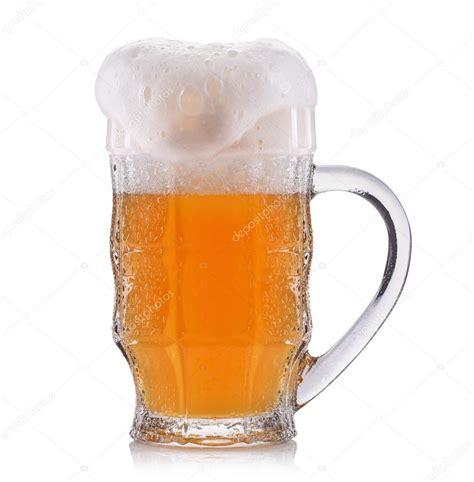 imagenes sin fondo blanco html cristal escarchado de la cerveza sin filtrar aislada sobre