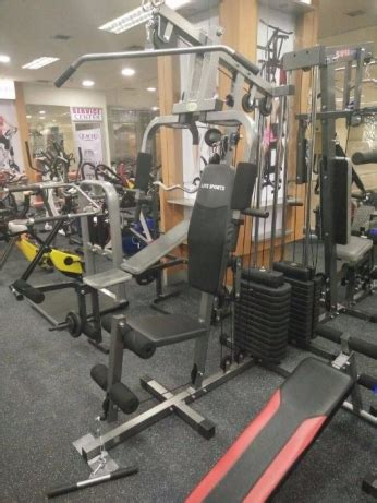 Jasa Service Alat Fitness jasa pembuatan fitness center di malang paket untuk fitness center alat fitness malang