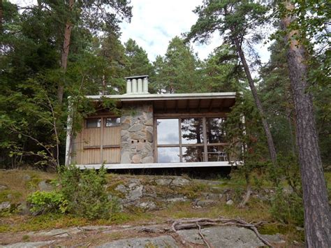 lada wood portatile the box a tiny house built by architect ralph erskine for