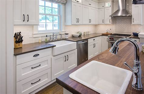 Hallmark Homes Floor Plans by Updated Farmhouse Kitchen Integrates Butler S Pantry And