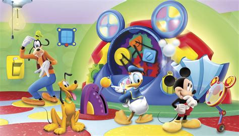 Mickey Mouse Clubhouse Capers Spot by Mickey Mouse Clubhouse Capers Xl Mural 10 5 X 6 Wall