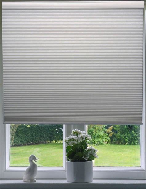 Cordless Window Blinds by Cordless Honeycomb Window Blinds Window Treatments