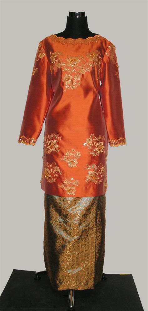 Baju Orange Batik 906108 baju kurung in orange