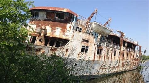 boat salvage manitoba lord selkirk ship likely gone before winter ctv news