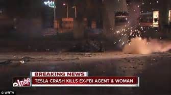 Tesla Stock Crash Tesla Crash In Indianapolis Leaves Two Dead Daily Mail