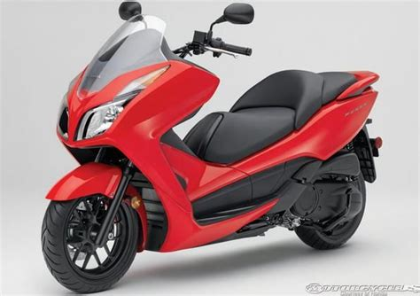 best e scooter 2014 84 best images about scooters on honda cub