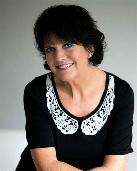 Spotlight Helen Fielding by Sally Geeson Photos News Filmography Quotes And Facts