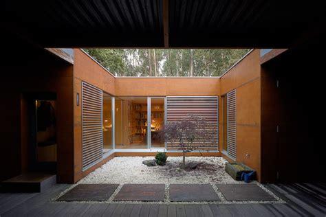 courtyard house blue ant studio levitating house blue ant studio