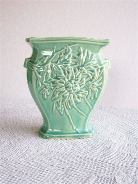 vintage mccoy pottery vase green mums retro home decor