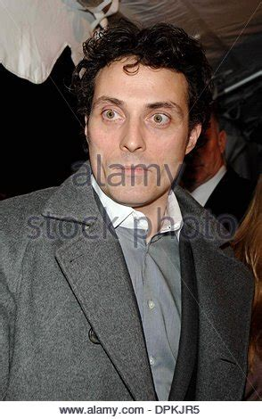 rufus sewell holiday rufus sewell the holiday 2006 stock photo 31257722 alamy