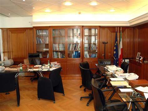 di commercio ufficio estero lavoro istituto nazionale per il commercio estero