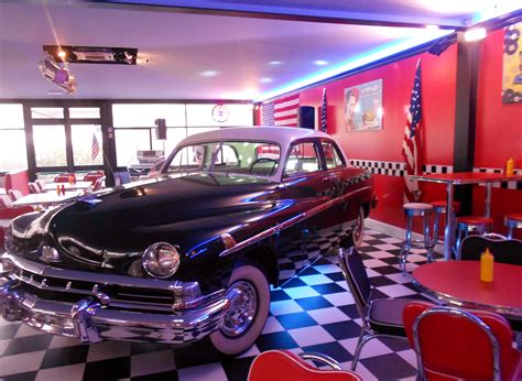 How To Decorate My Home For Cheap 1950 s american diner in florence no really girl in