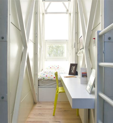 the narrowest house in the world keret house world s thinnest dwelling now open for tours