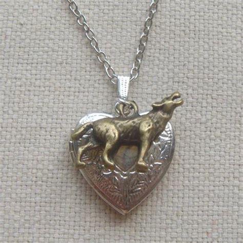 locket pendant wolf necklace chlorisgift jewelry