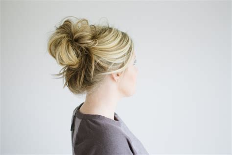 how to make a small bun with long box braids the messy bun