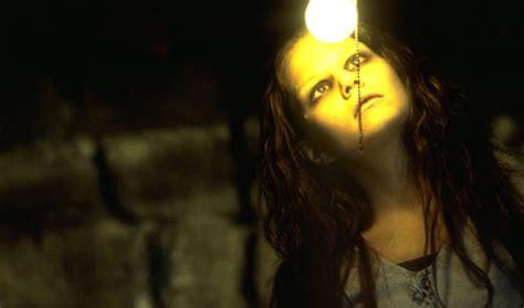 film barat terlaris 28 film horor barat terseram terbaik dan terpopuler