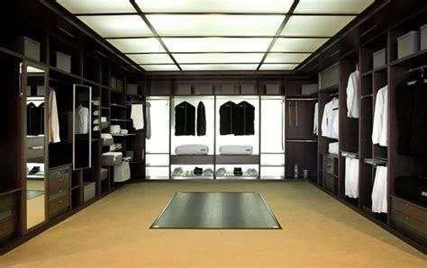 luxus kleiderschrank luxus begehbarer kleiderschrank 120 modelle