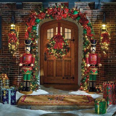 50 fresh festive christmas entryway decorating ideas