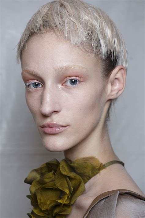 great hair color or spring 2015 paris fashion week hair trends 2015 spring summer