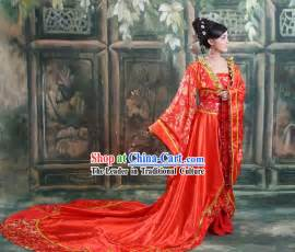Ancient chinese long tail wedding dress and hair accessories complete