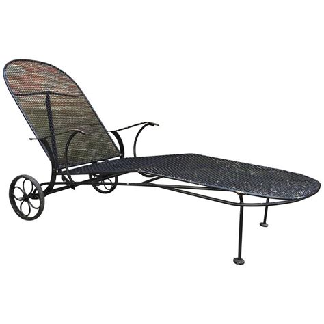 woodard chaise lounge woodard sculptura chaise lounge for sale at 1stdibs