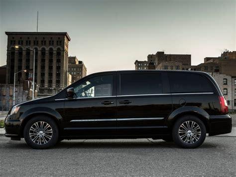 most comfortable van to drive 6 most comfortable minivans for 2015 autobytel com
