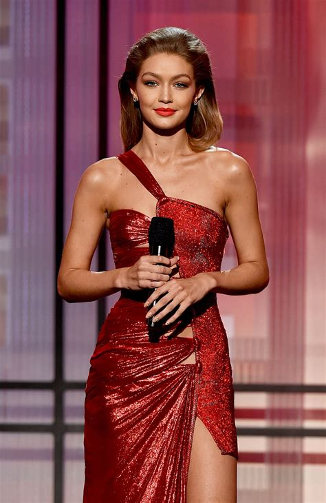 gigi hadid sort of apologizes for her melania trump gigi hadid apologizes for her melania trump impression at