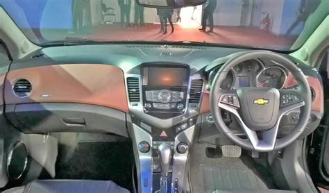 chevrolet cruze classic dashboard indian autos blog 2016 chevrolet cruze facelift dashboard indian autos blog